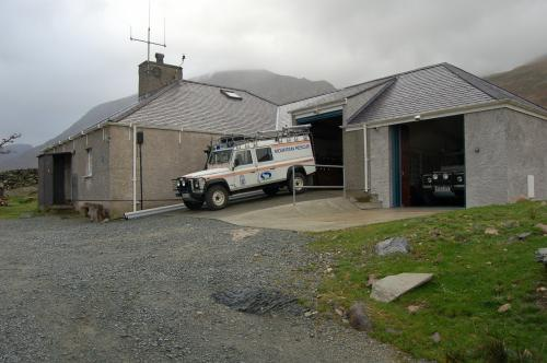 Land Rover 130 4x4 Ambulance